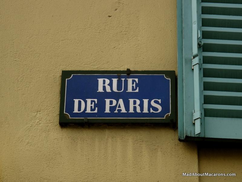 rue de Paris street sign in St Germain-en-Laye