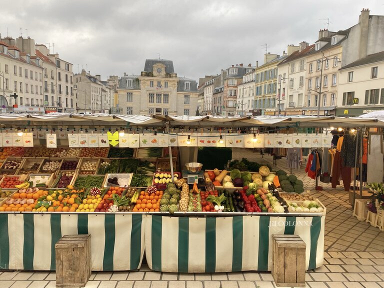 french market scene