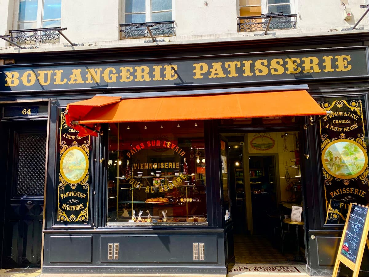 moulin vierge Paris bakery