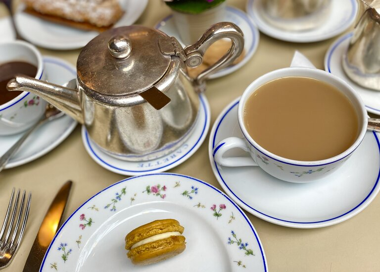 tea time with macaron